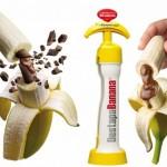 チョー便利!Twitterで話題のバナナの中にチョコを注入するアイテムやスマホチェキが本当にあった!