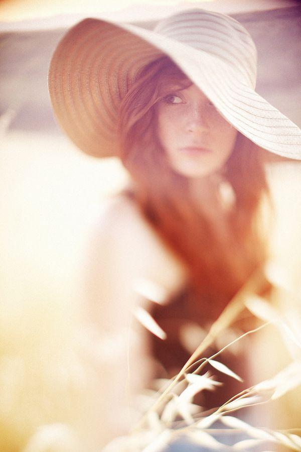 日焼け後の肌でも美白になれる!?シミもキレイに消してくれる魔法のプチプラ美容液が人気!