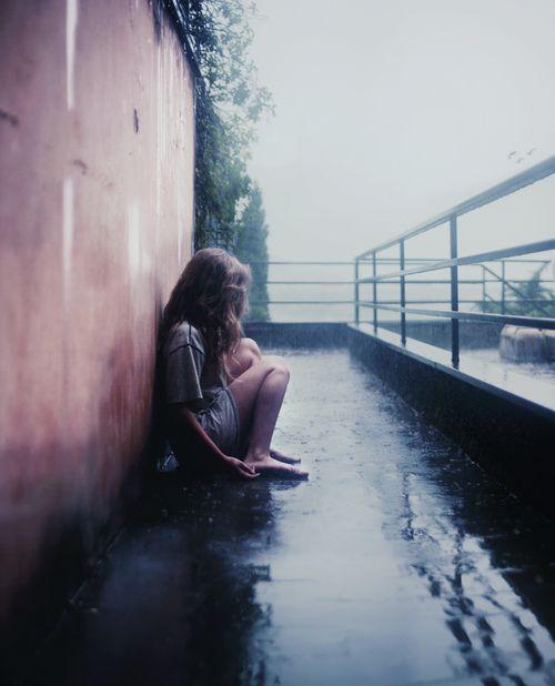 憂鬱な気分はお肌にも悪い!憂鬱な気分を抜け出せない理由は意外な○○だった!